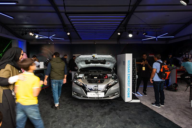 日産のホスピタリティエリアでは、EVの「リーフ」を使った「Nissan Energy Home(ニッサン エナジー ホーム)」デモが行なわれていた