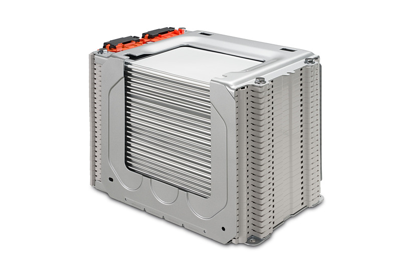 バッテリーパックの密度を向上させ搭載セル数をこれまでの192セルから288セルに増加