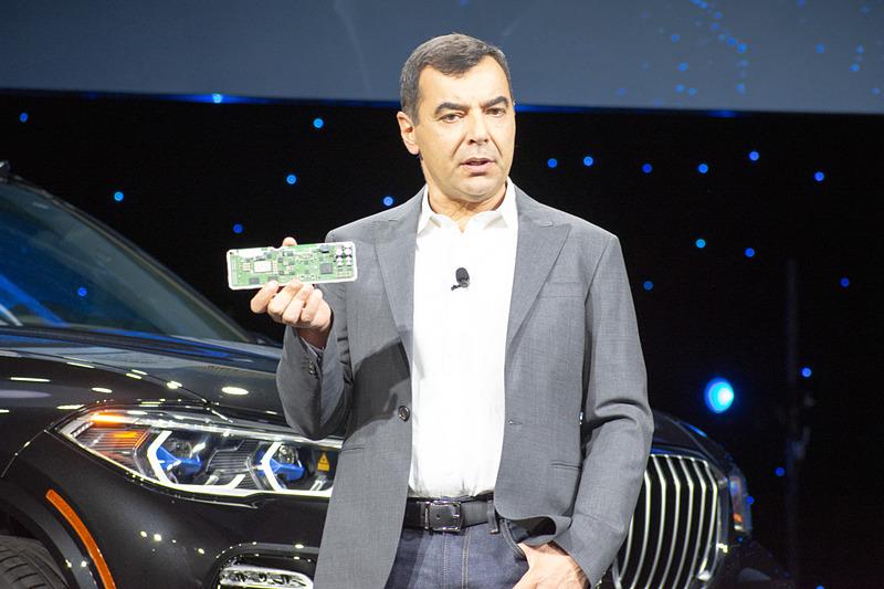 インテルのプレスカンファレンスに登壇したMobileye CEO Amnon Shashua氏