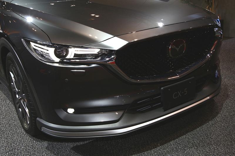 CX-5 CUSTOM STYLE 2019も専用のエクステリアパーツやブレーキパーツなどでカスタマイズ。アグレッシブさをより強調している