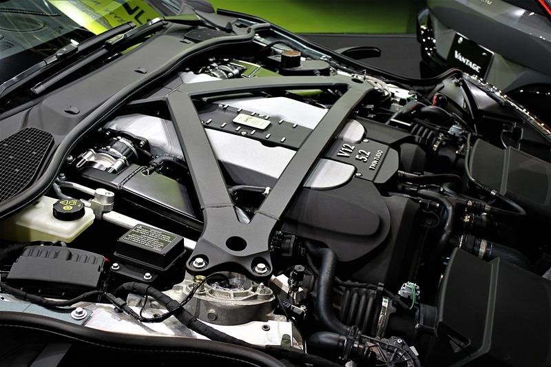 DB11 AMRが搭載するV12エンジン。最高出力639PS/6500rpm、最大トルク700Nm/1500rpmを発生。0-100km/h加速は3.7秒