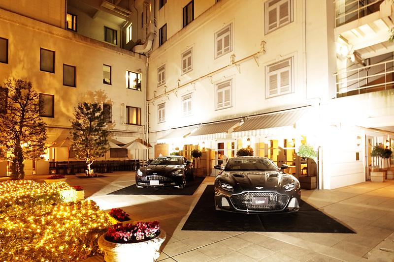 プレオープニングパーティが行なわれたホテルニューグランドにもフラグシップモデル「DBS スーパーレッジェーラ」やDB11が展示された