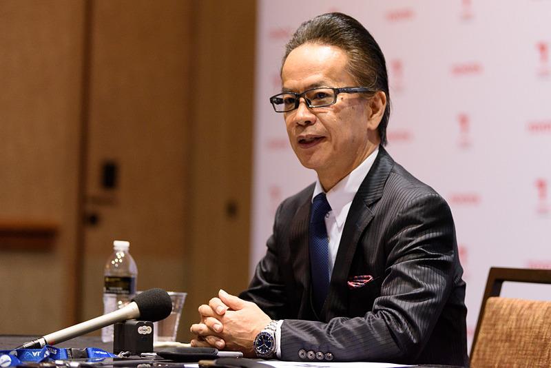 2018年1月のトヨタプレスカンファレンス後、共同インタビューに応じるトヨタ自動車株式会社 副社長 友山茂樹氏。共同インタビューの質疑応答全文を掲載する