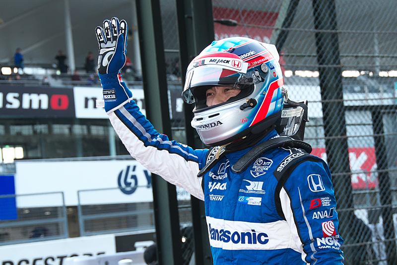 2019年から「SRS-Kart(鈴鹿サーキットレーシングスクールカート)」「SRS-Formula(鈴鹿サーキットレーシングスクールフォーミュラ)」のPrincipalに就任することが決まっている佐藤琢磨選手は、SRS-Formulaのスクールマシンに乗って登場