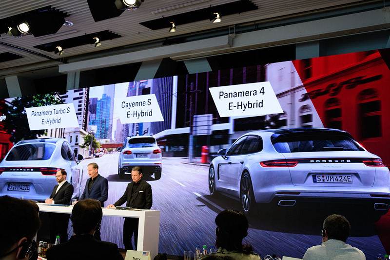 現在ポルシェが発売しているハイブリッド車