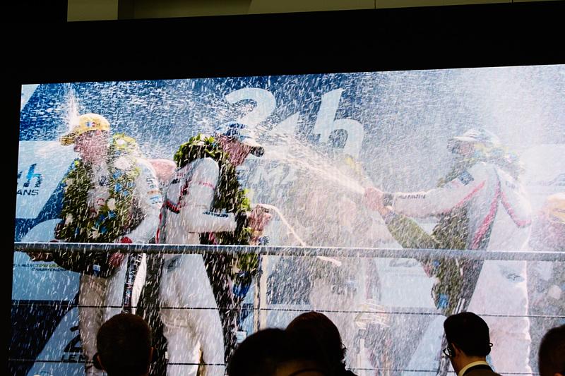 会見の最後はル・マン24時間レース優勝のスライドで。ポルシェにとって特別なレースであることが感じられた