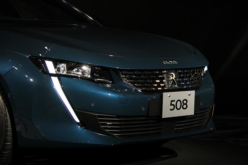 セレベス・ブルーカラーの508 GT Line