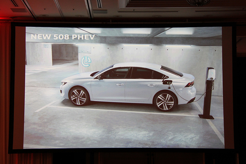 近い将来に508 PHEVを日本導入することも明かされた