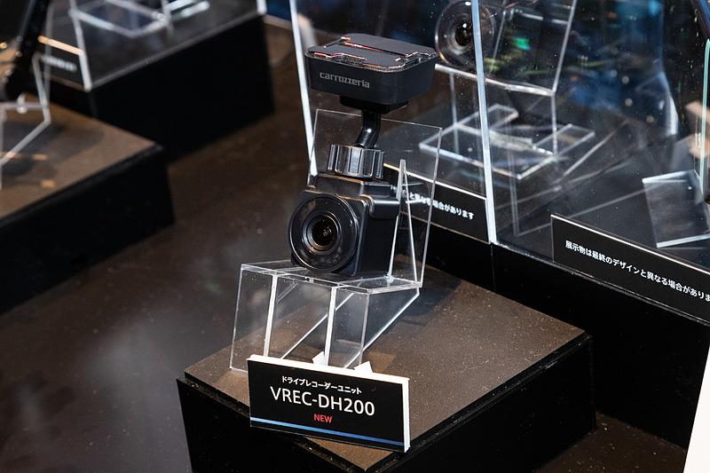 表示部を持たない「VREC-DH200」。Wi-FiモジュールとGPSユニットを内蔵。映像はスマートフォンで確認する