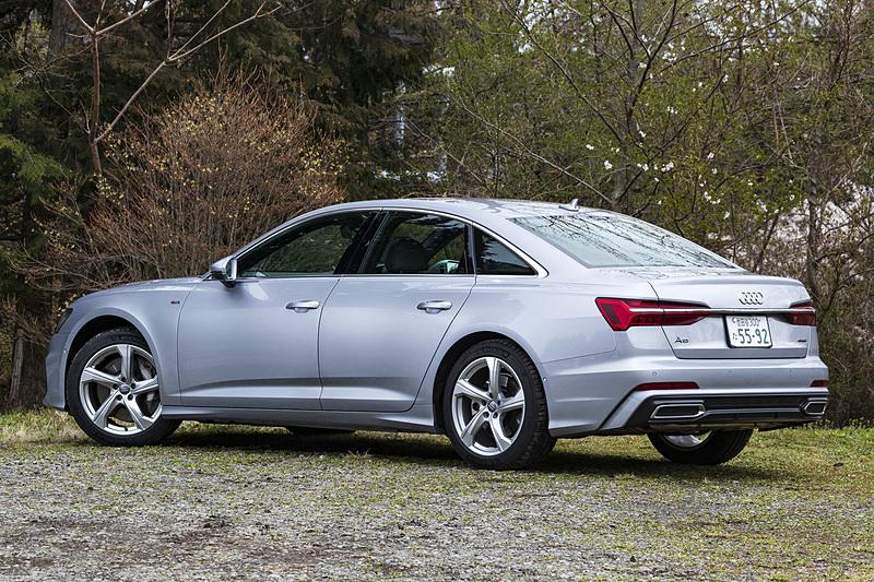 試乗車は「A6 セダン 55 TFSI quattro S line」(1006万円)。ボディサイズは4950×1885×1430mm(全長×全幅×全高)で、ホイールベースは2925mm