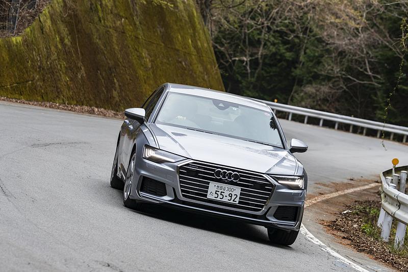 「Comfort」「Auto」「Dynamic」の3タイプから設定を選べるアウディドライブセレクトの特性と道路状況がマッチングすると、よりいっそう楽しく刺激的なドライブが楽しめるだろう