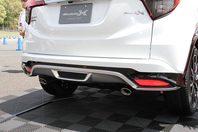 さまざまな専用装備を装着するVEZEL TOURING Modulo X Concept 2019のエクステリア。Modulo Xらしいデザインが与えられている