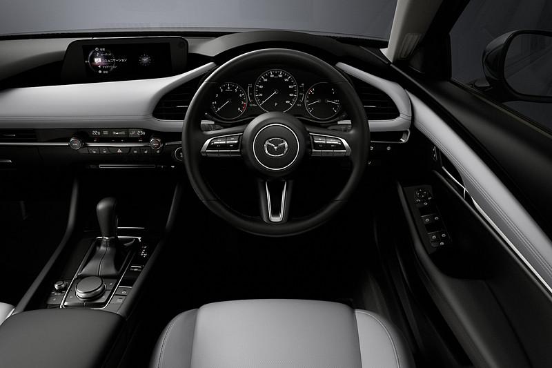 ドライバーが無意識・直感的に行動できるHMIを追求