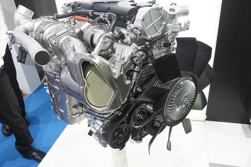 「4JZ1」エンジン