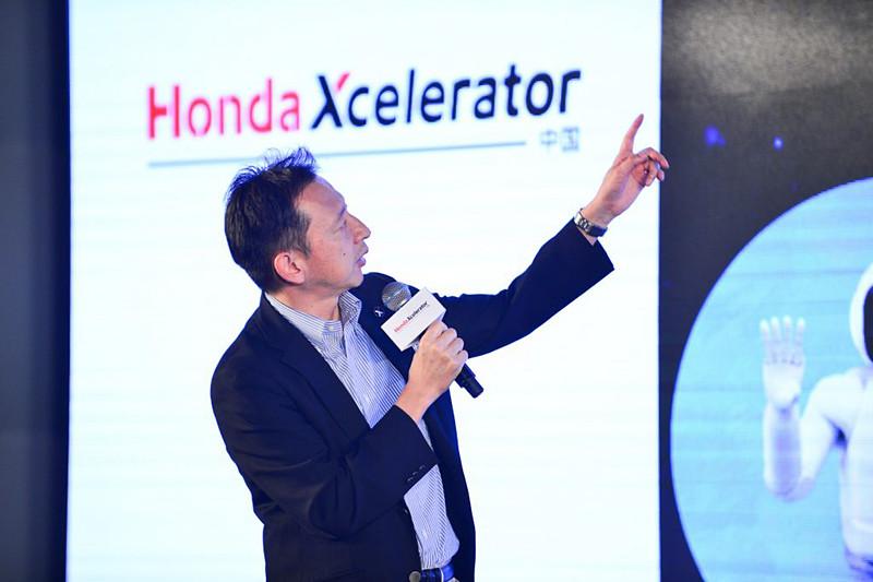 ホンダはHonda Xceleratorの取り組みをプレスカンファレンスで説明