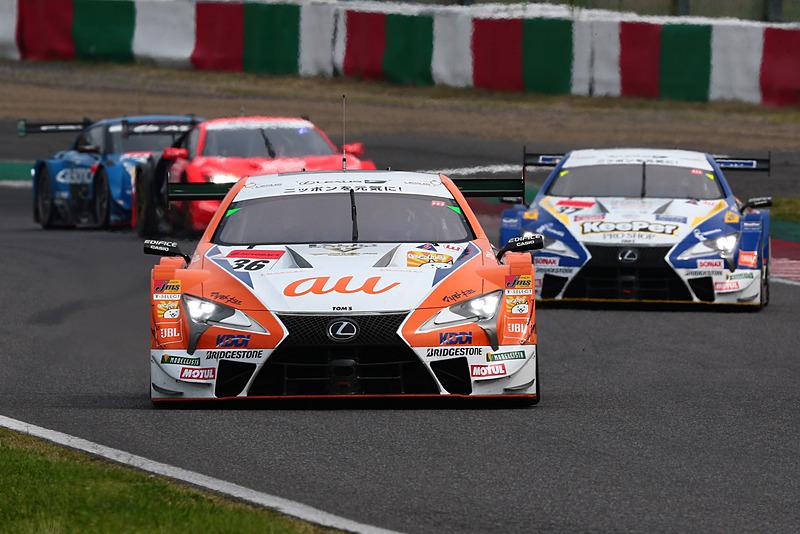 序盤は、36号車 au TOM'S LC500(中嶋一貴/関口雄飛組、BS)、37号車 KeePer TOM'S LC500(平川亮/ニック・キャシディ組、BS)がレースをリード