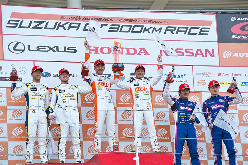 GT500クラス表彰台
