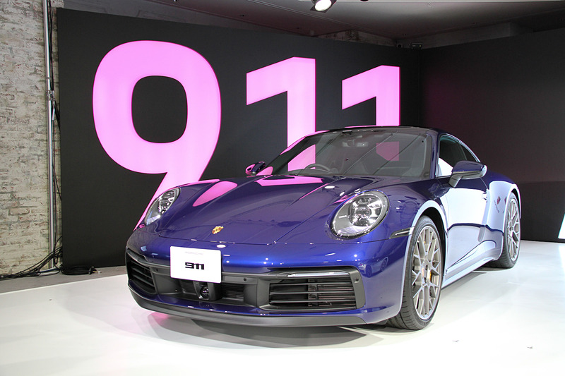 911 カレラ 4S。ボディサイズは4519×1852×1300mm(全長×全幅×全高)、ホイールベースは2450mm