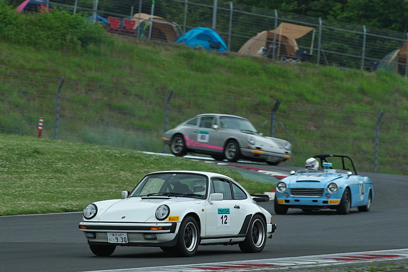 決勝レース当日の午前中には、2020年からのスタートを予定するクラシックカーレース「スーパー耐久ピレリクラシックチャレンジ」(S耐クラシック)のエキシビションレースも実施された