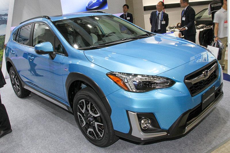 スバルがトヨタの電動化技術を採用して開発したPHV「クロストレック」(国内未発売)