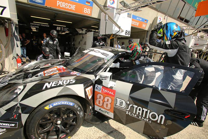 DEMPSEY-PROTON RACINGから88号車 ポルシェ 911 RSR