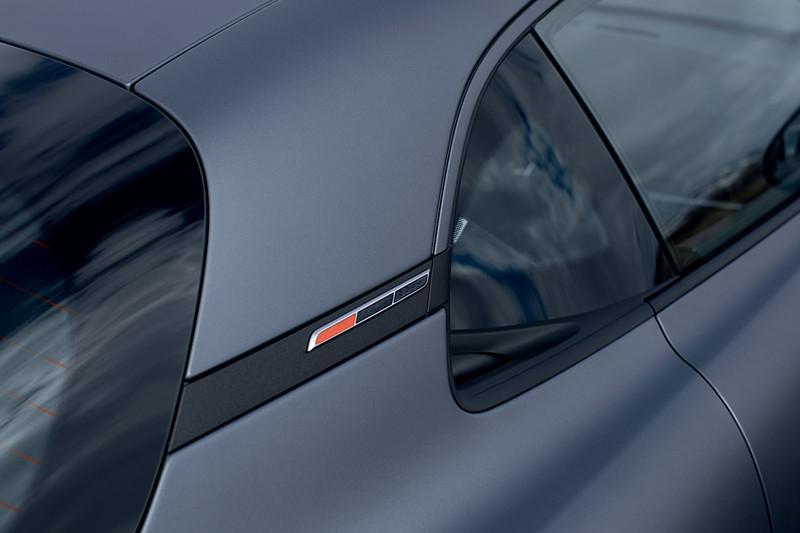 A110Sのボディサイズは4180×1798×1248mm(全長×全幅×全高)、ホイールベースは2419mm。パワーウェイトレシオは標準モデルが4.3kg/PSのところ、A110Sでは3.8kg/PSとなっている