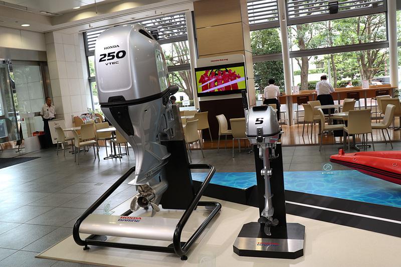 屋内展示されていたBF250は、2018年12月に一部改良して発売された、DBWではない「メカタイプ」の製品