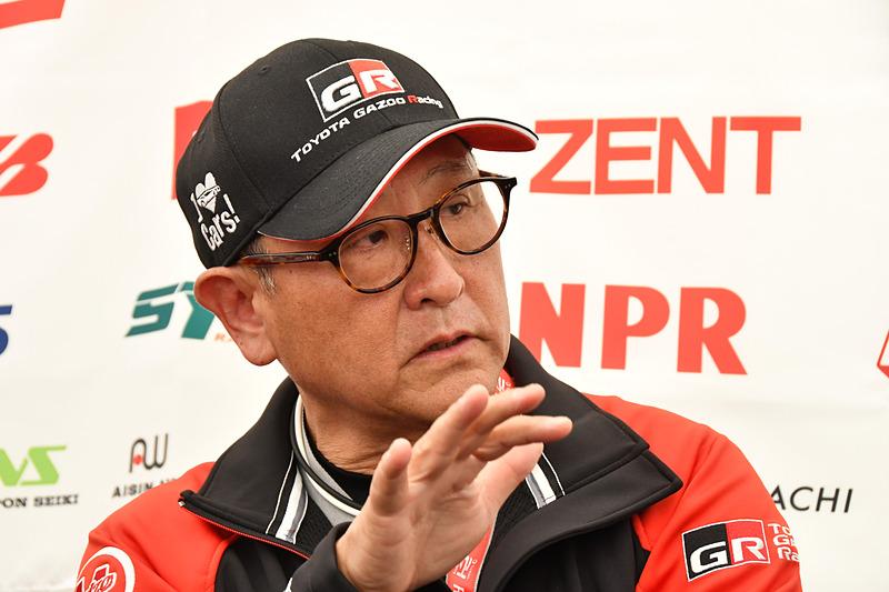豊田章男社長でもあるモリゾウ選手。TOYOTA GAZOO Racing決起集会後に共同インタビューが行なわれた