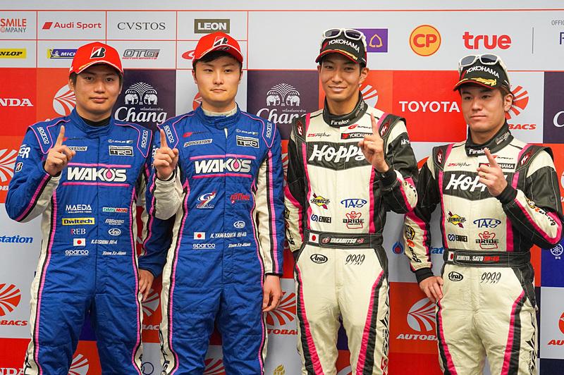 ポールポジションを獲得した大嶋和也選手、山下健太選手、松井孝允選手、佐藤公哉選手