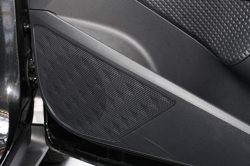 フロントのウーファー「GTO 600C」