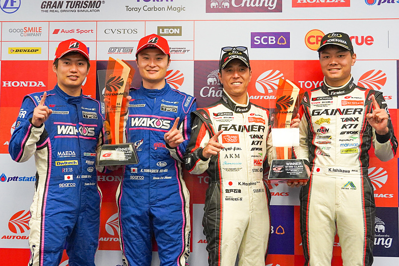 左から大嶋和也選手、山下健太選手、星野一樹選手、石川京侍選手