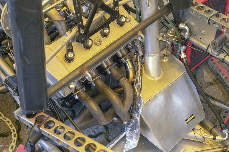 会場の外には芝浦工業大学と東京大学のマシンが展示してあった。こちらは芝浦工業大学のマシン