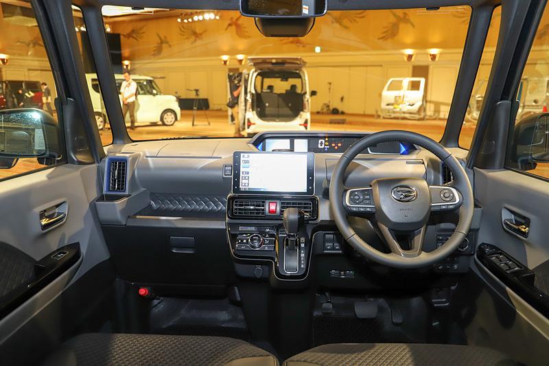 新型タント カスタム RSのインテリア