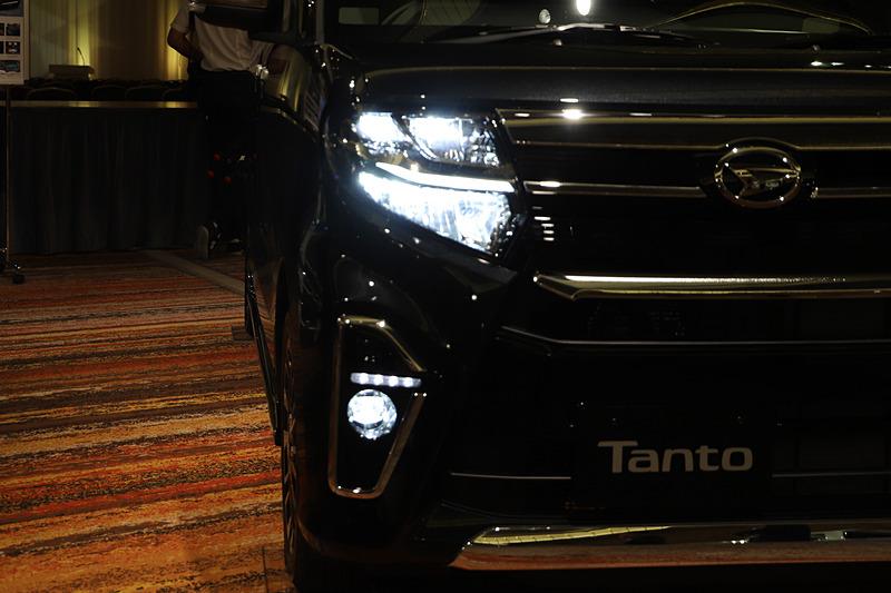 タント カスタム RS(パールブラック)のディーラーオプション装着車