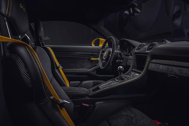 718 ケイマン GT4