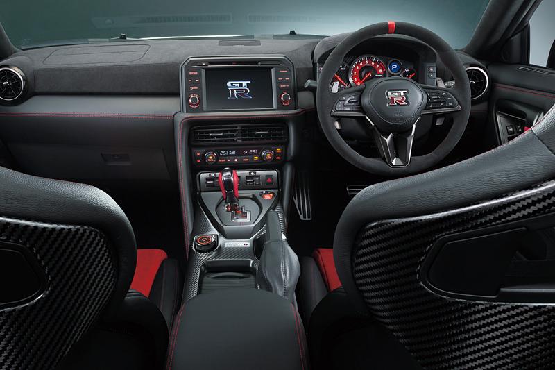 GT-R Track edition engineered by NISMO」2020年モデルのインテリア