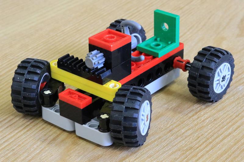 レゴブロックでクルマの仕組みを学ぶ