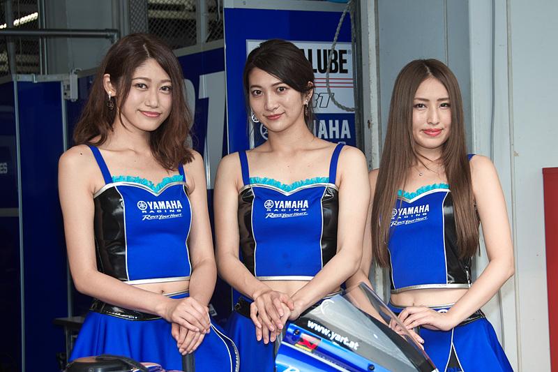 6番グリッドからスタートする7号車「YART-YAMAHA」(Broc Parkes、Marvin Fritz、Niccolo Canepa)のレースクイーン