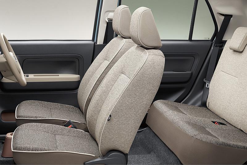 車内の装備に「UVカットガラス」や「クリーンエアフィルター」などを追加して快適性を向上