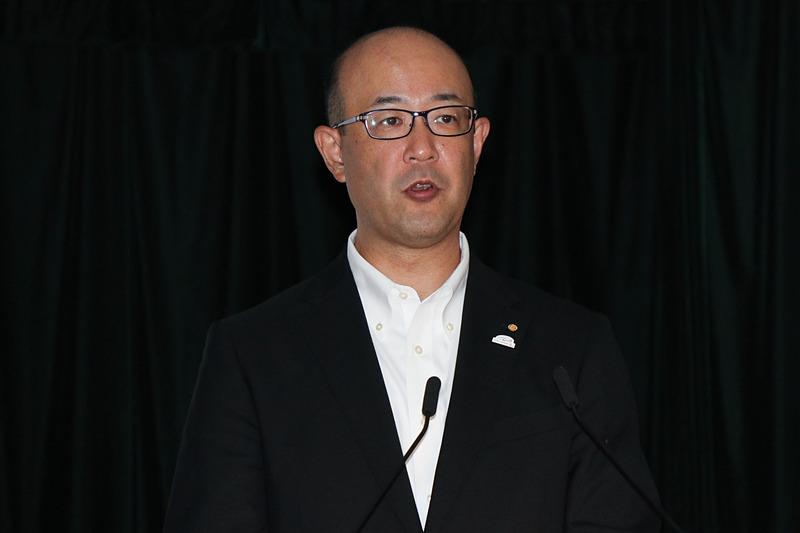 2020年3月期 第1四半期の決算内容を説明するトヨタ自動車株式会社 執行役員 経理本部本部長 近健太氏