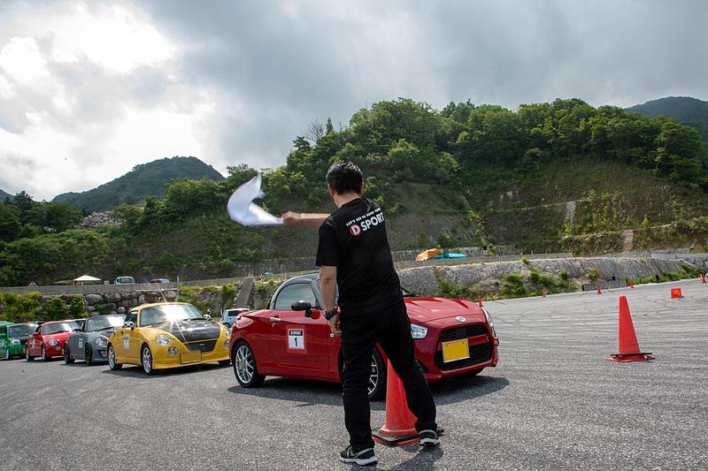 ダイハツ車ユーザーに向けて「クルマを走らせること」の楽しさを伝えることを目的としたドライビングレッスンがD-SPORT GYM