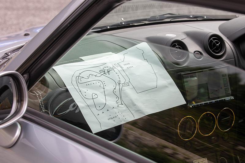コース図を車内に貼ってスタート直前まで確認する