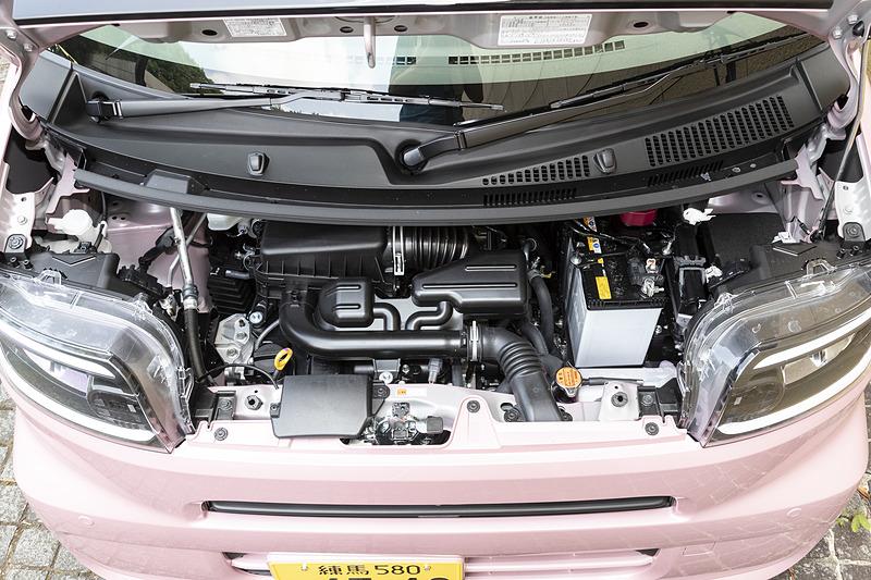 最高出力38kW(52PS)/6900rpm、最大トルク60Nm(6.1kgfm)/3600rpmを発生する自然吸気エンジン。組み合わせるトランスミッションはCVT。今回試乗した2WDモデルのWLTCモード燃費は27.2km/L