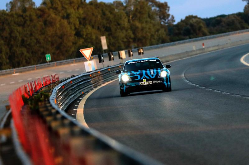 イタリア ナルドテクニカルセンターでEV「タイカン」の耐久走行テストを実施