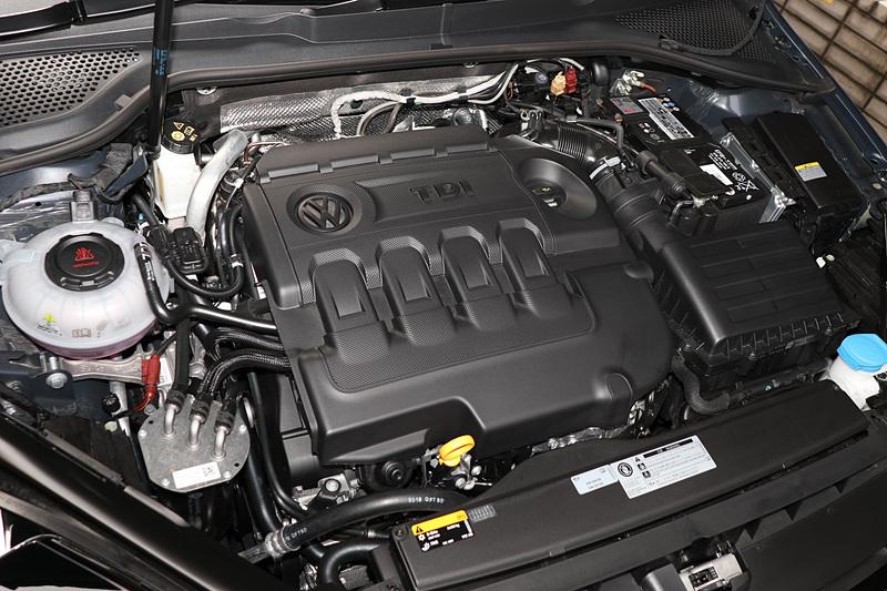 直列4気筒DOHC 2.0リッター直噴ディーゼルターボ「DFG」型エンジン。最高出力110kW(150PS)/3500-4000rpm、最大トルク340Nm(34.7kgfm)/1750-3000rpmを発生し、トランスミッションは7速DSGを採用