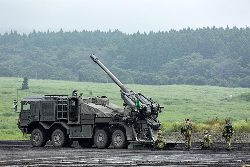 19式装輪155mmりゅう弾砲