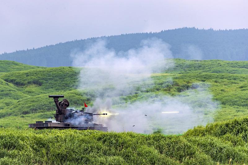 多目的誘導弾、92式地雷原処理車が増援部隊をサポート