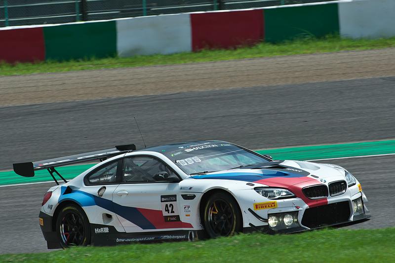 42号車 BMW M6 GT3(BMW Team Schnitzer、アウグスト・ファーファス/マーティン・トムチュク/ニコラス・イェロリー組)