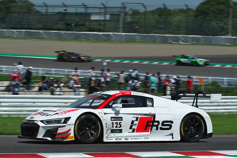 125号車 Audi R8 LMS GT3 Evo(Audi Sport Team Absolute Racing、マーカス・ウィンケルホック/クリストファー・ミース/クリストファー・ハース組)