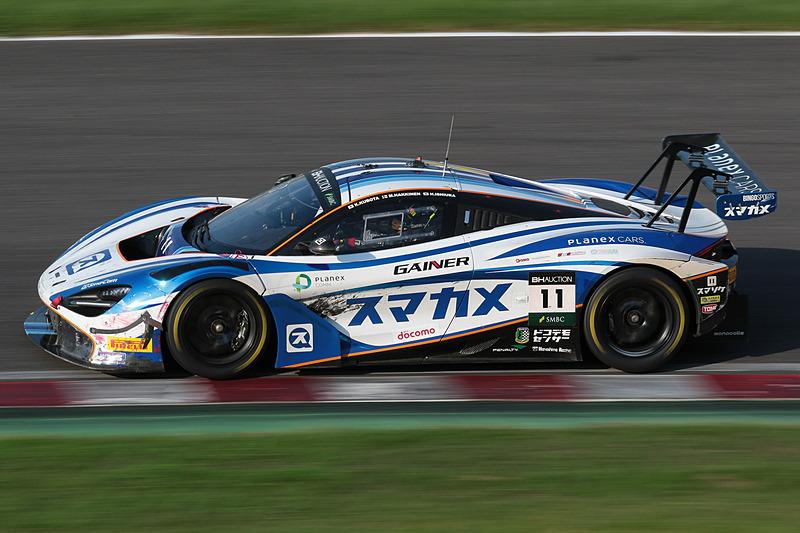 11号車 McLaren 720S GT3(PLANEX SMACAM RACING、ミカ・ハッキネン/久保田克昭/石浦宏明組)